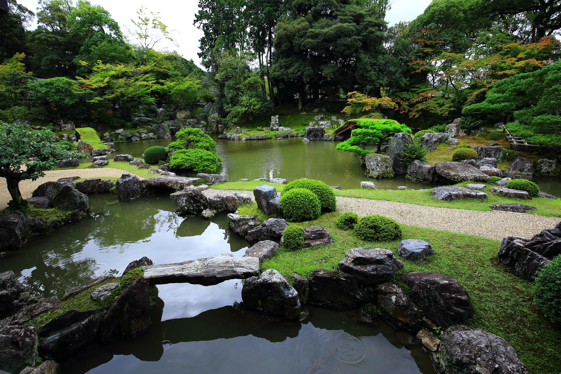 「純浄観」前の三宝院庭園