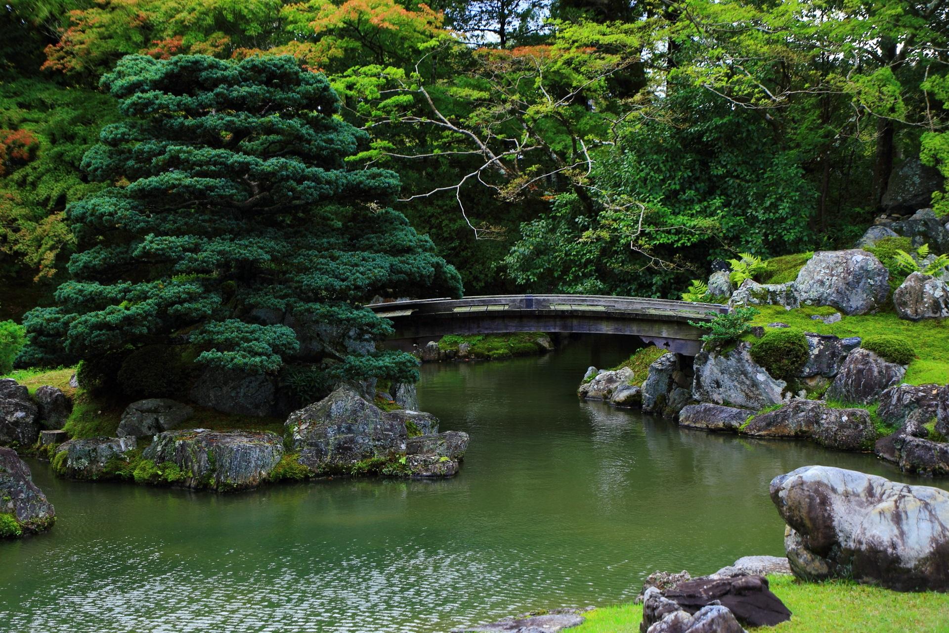三宝院庭園の「鶴島」