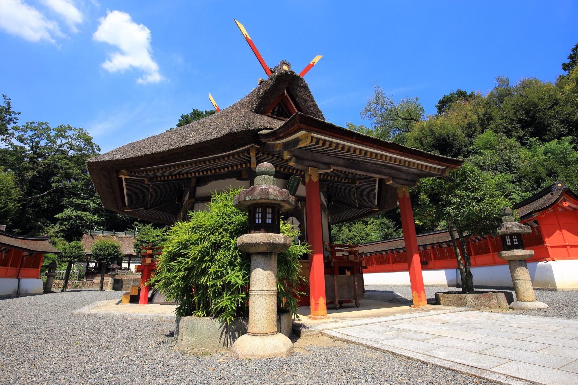 斎場所大元宮 全国の神様を祀る八角形の神社 吉田神社の末社