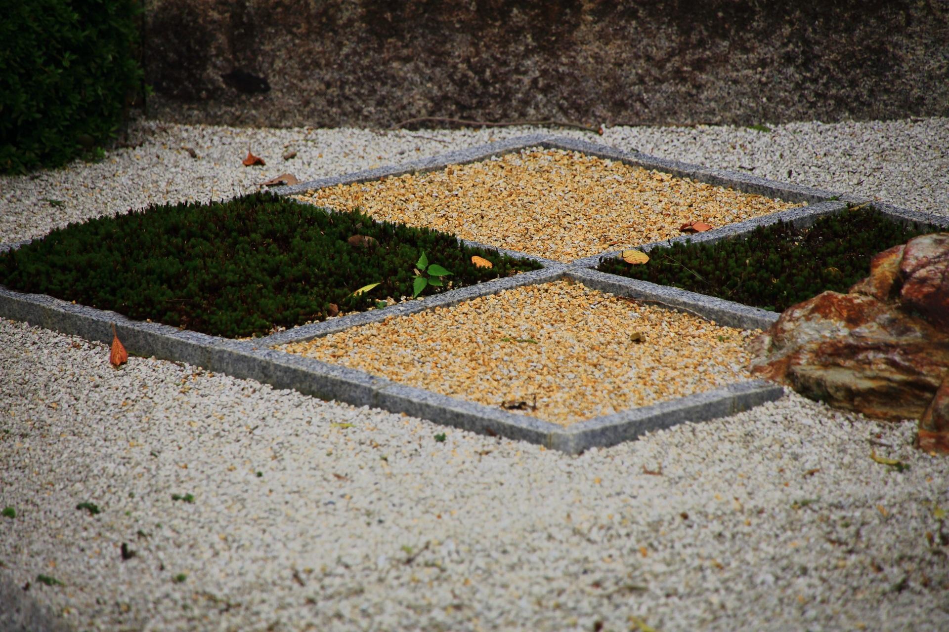 苔も用いられた随縁の庭