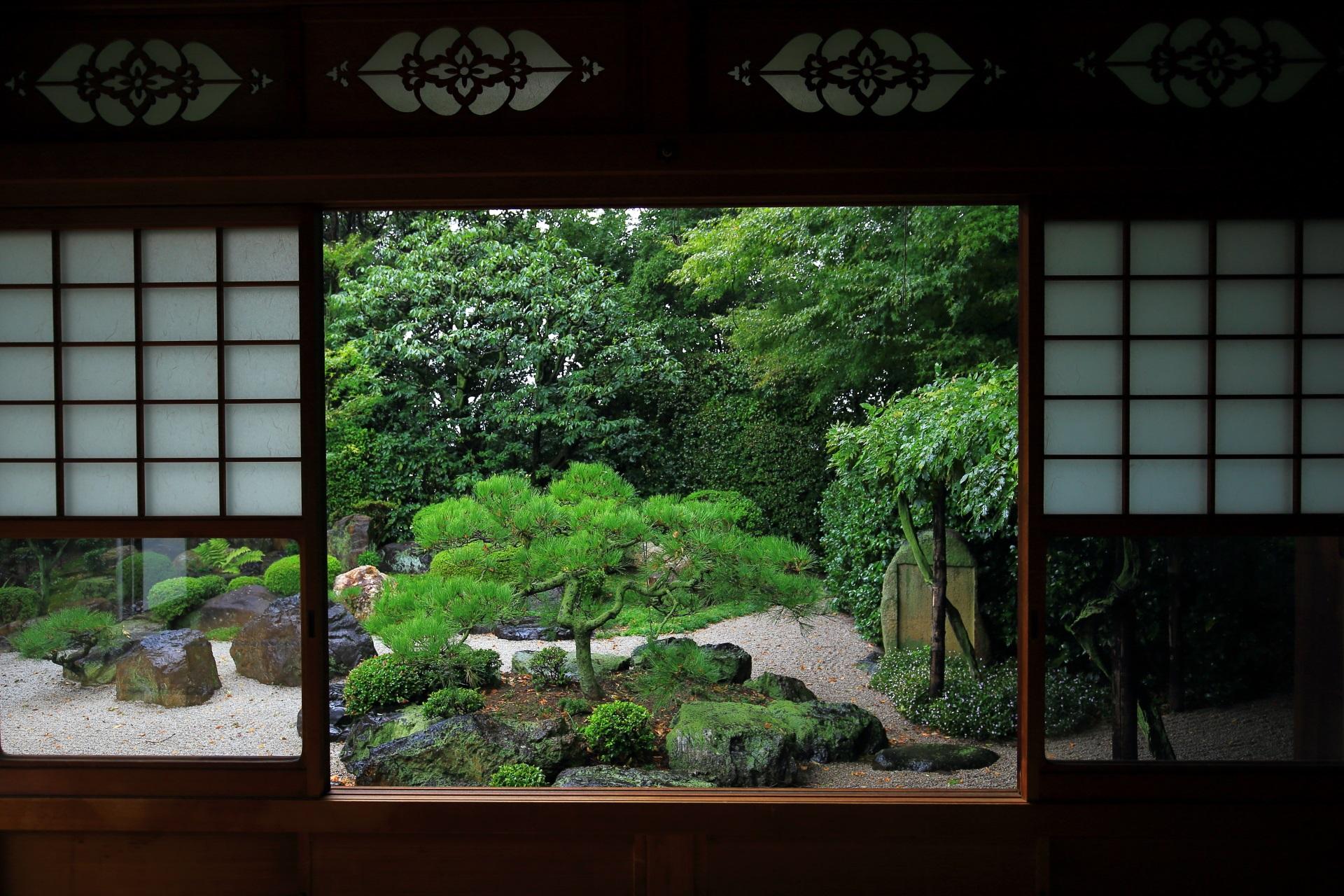 御香宮神社の枯山水庭園