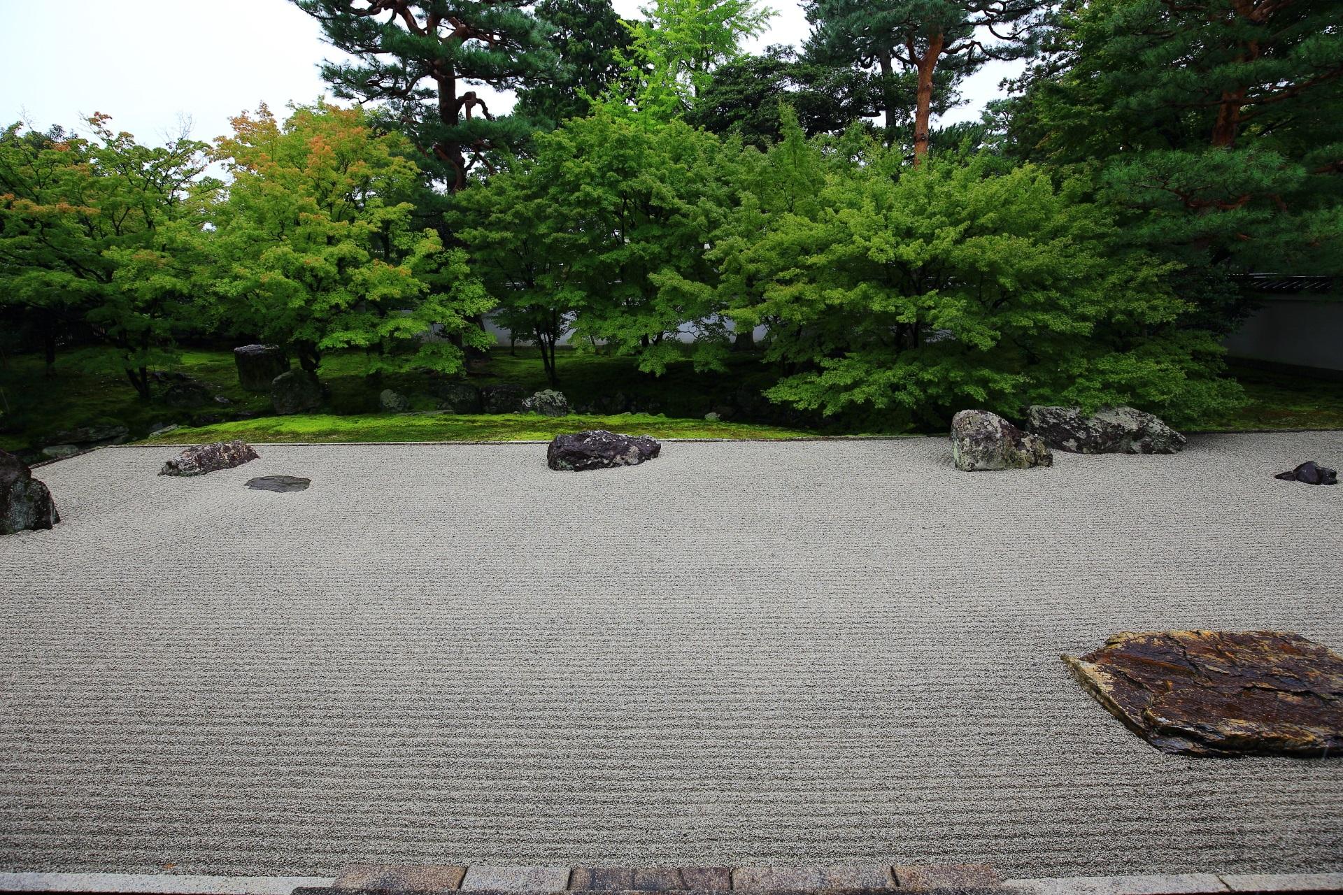 相国寺の開山堂前庭