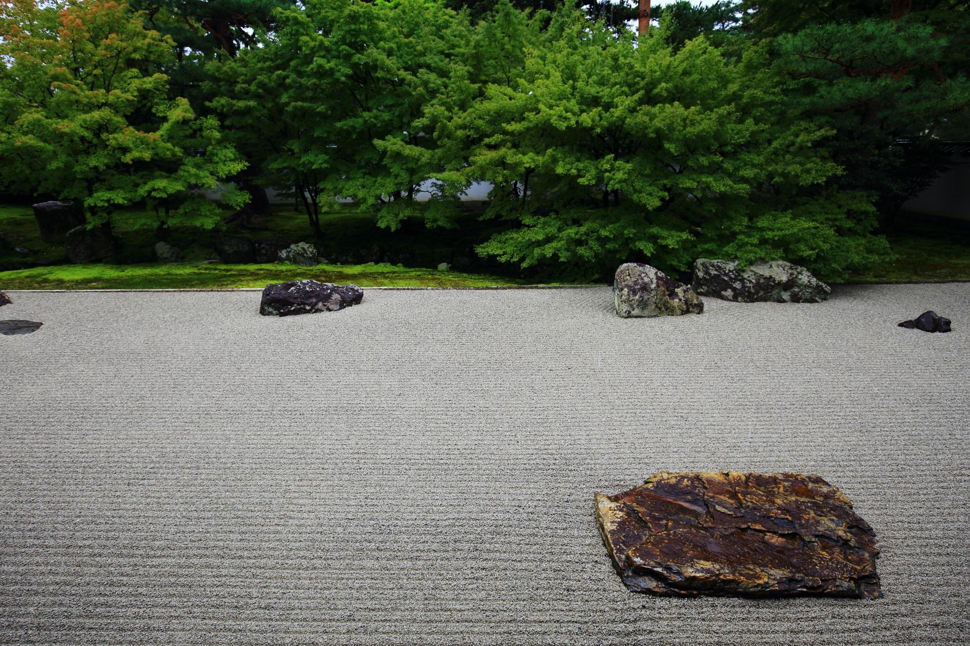 相国寺開山堂の上品な庭園