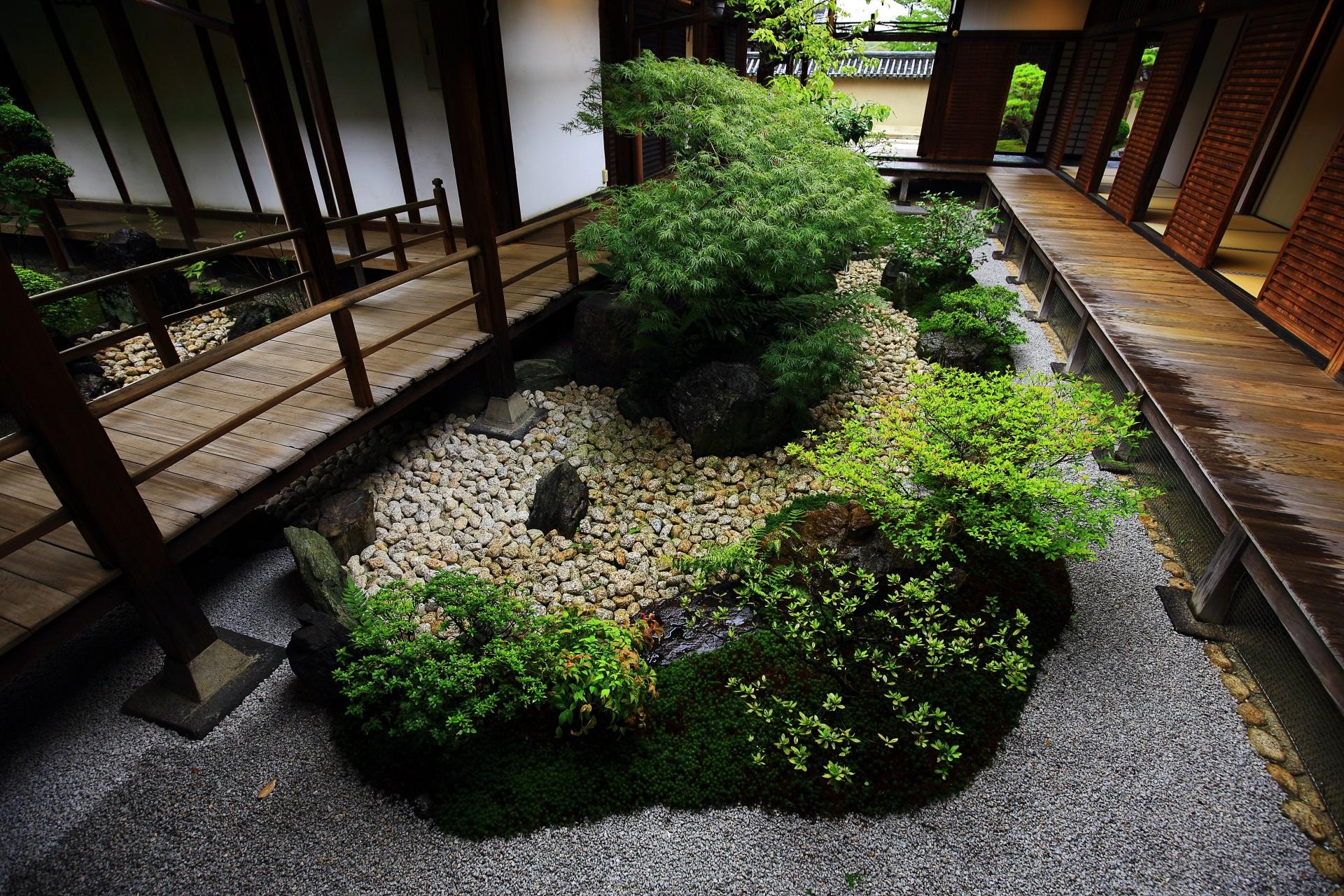 観智院の「四方正面の庭」