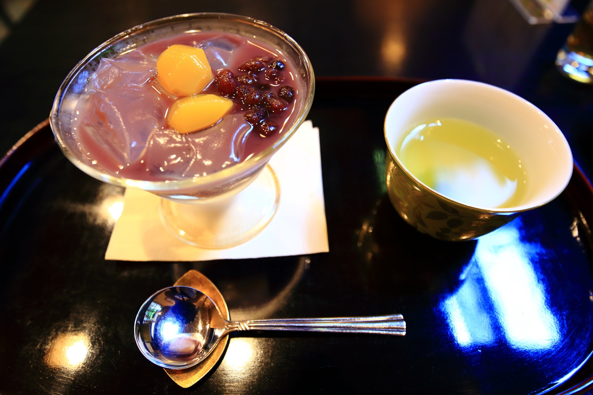10月の栗と小豆味の琥珀流し(税込660円)