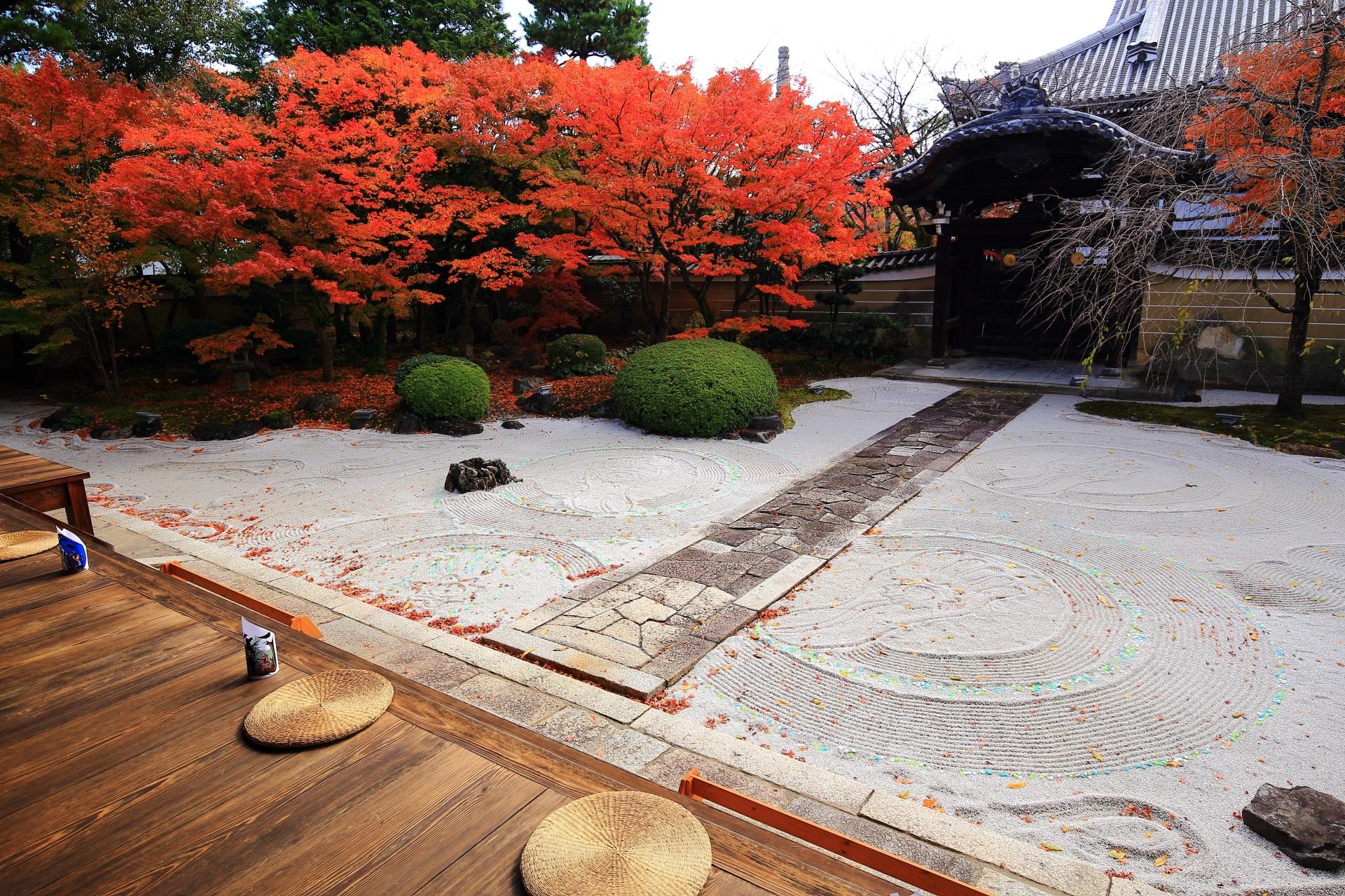 「龍華飛翔の庭(りゅうげひしょうのにわ)」とも呼ばれる妙顕寺の四海唱導の庭