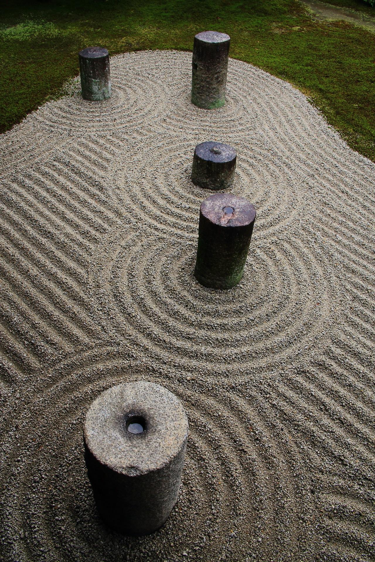 東福寺の斬新な枯山水庭園