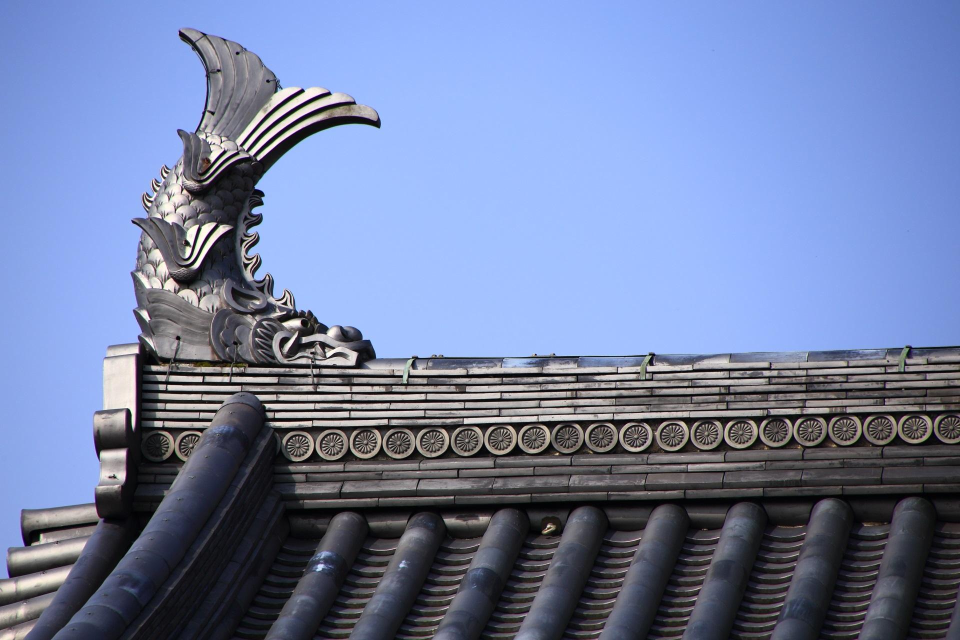 福知山城の愛らしいお顔のしゃちほこ