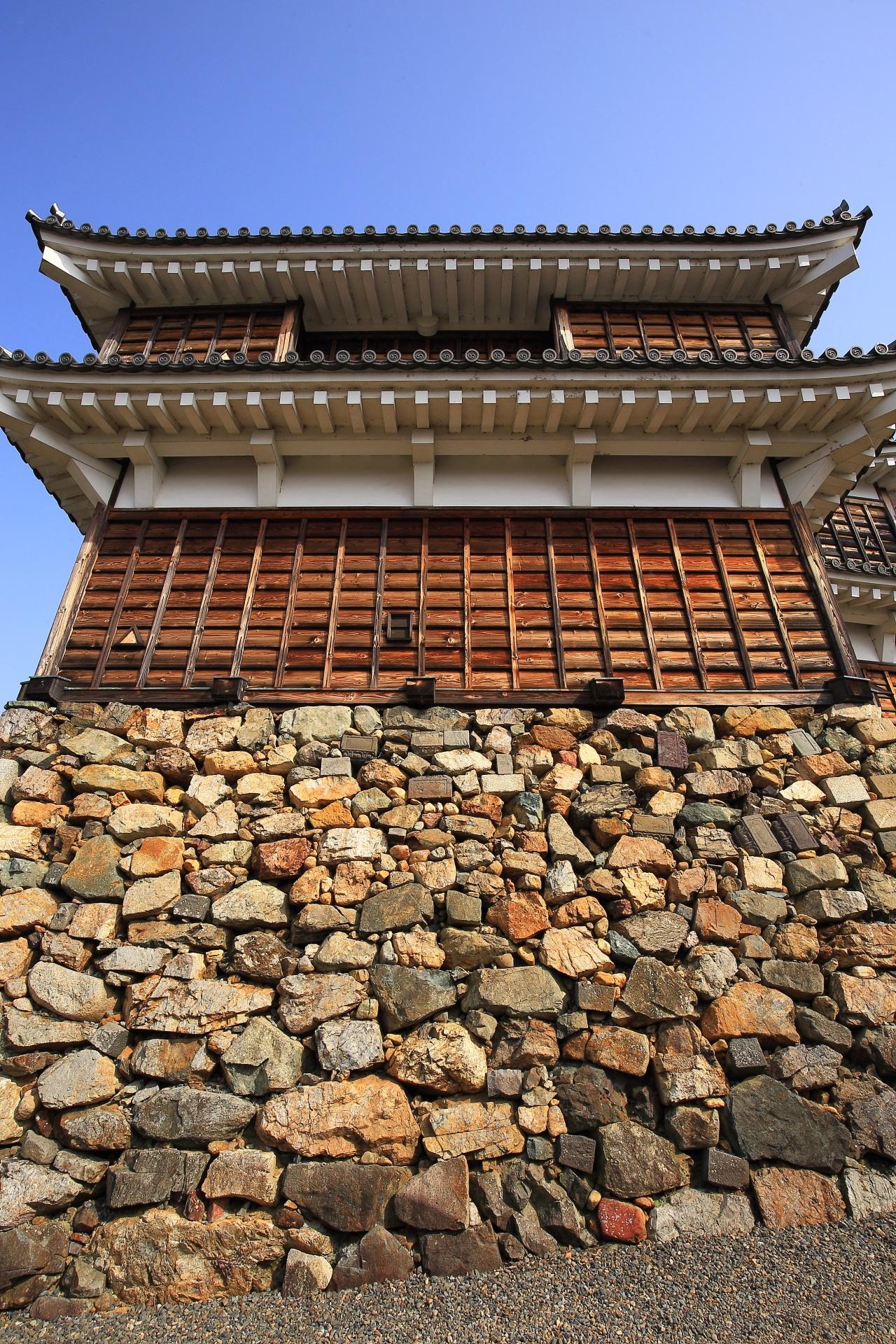 転用石が用いられる福知山城の天守台の石垣