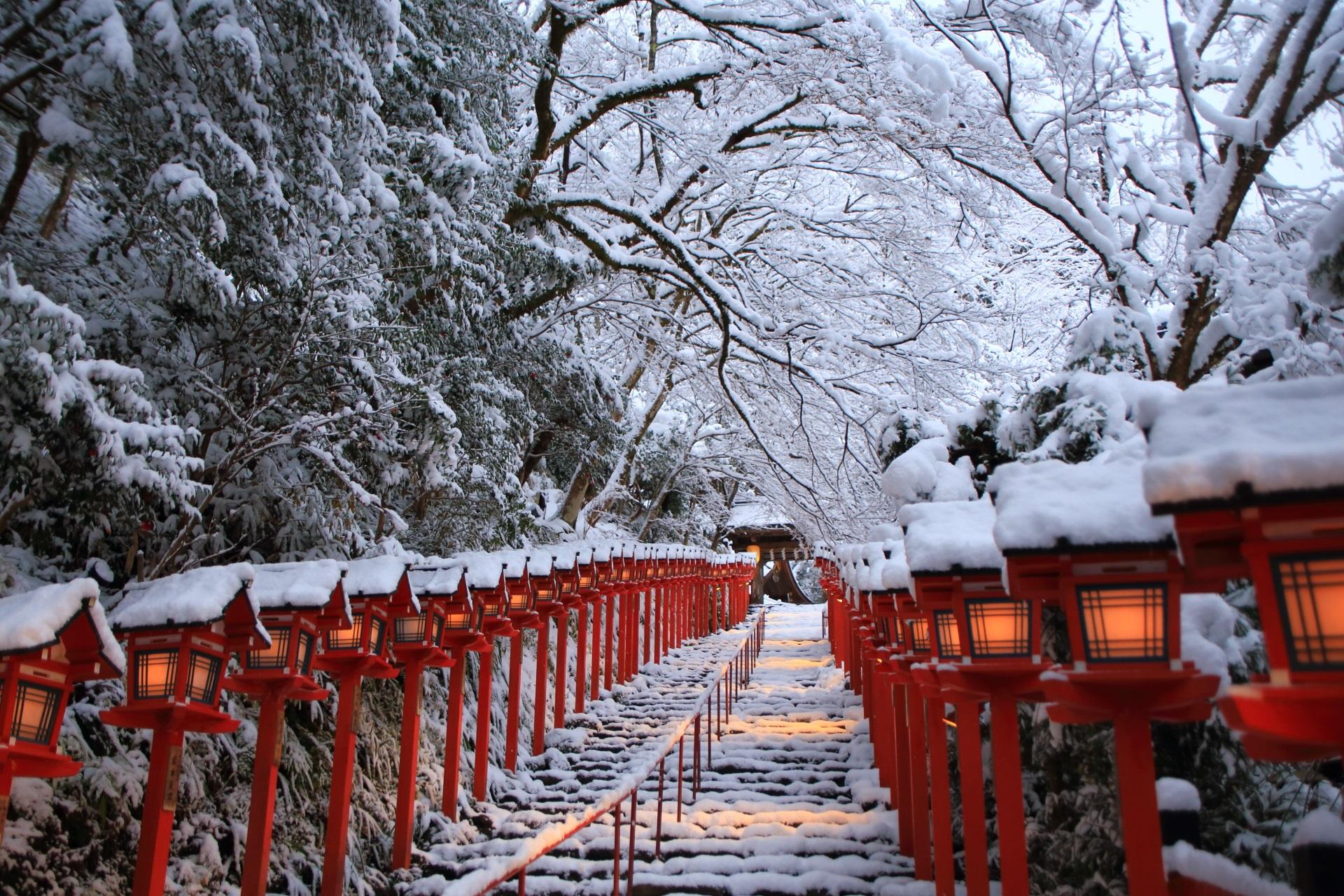 京都市内の北の方にある雪の貴船神社