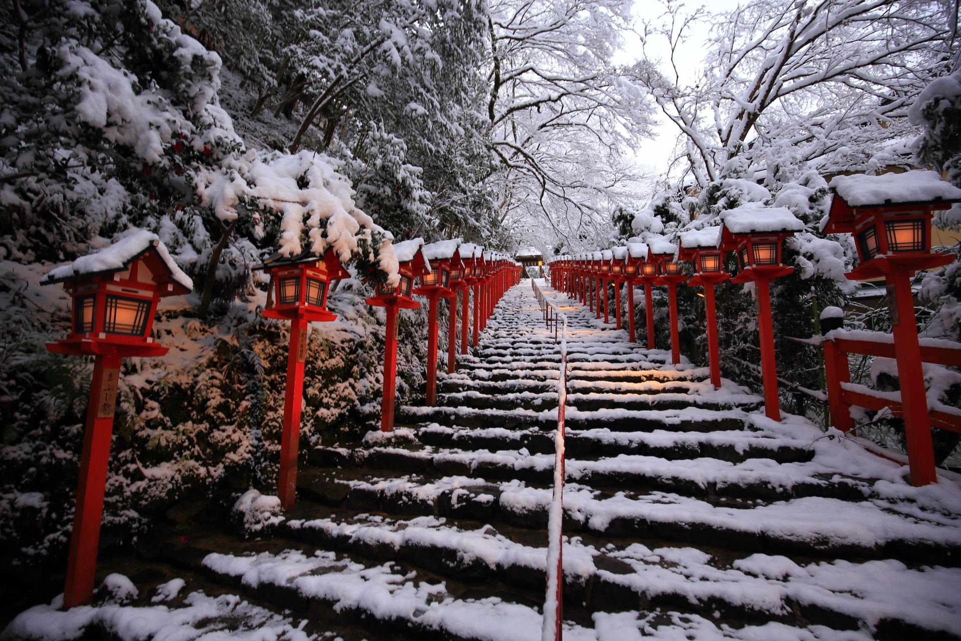 高画質 写真 貴船神社 雪景色