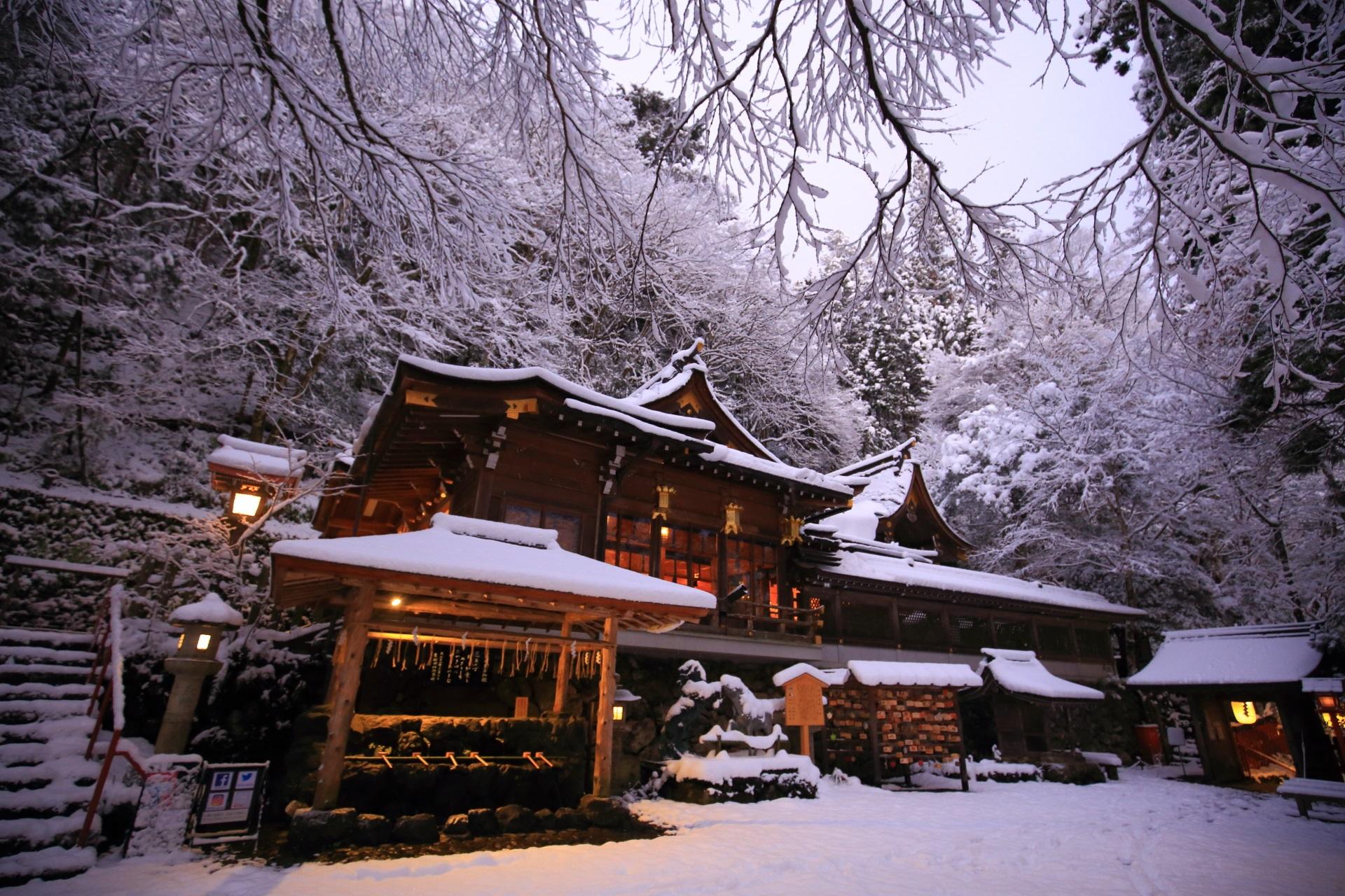 美しすぎる雪の日の貴船神社