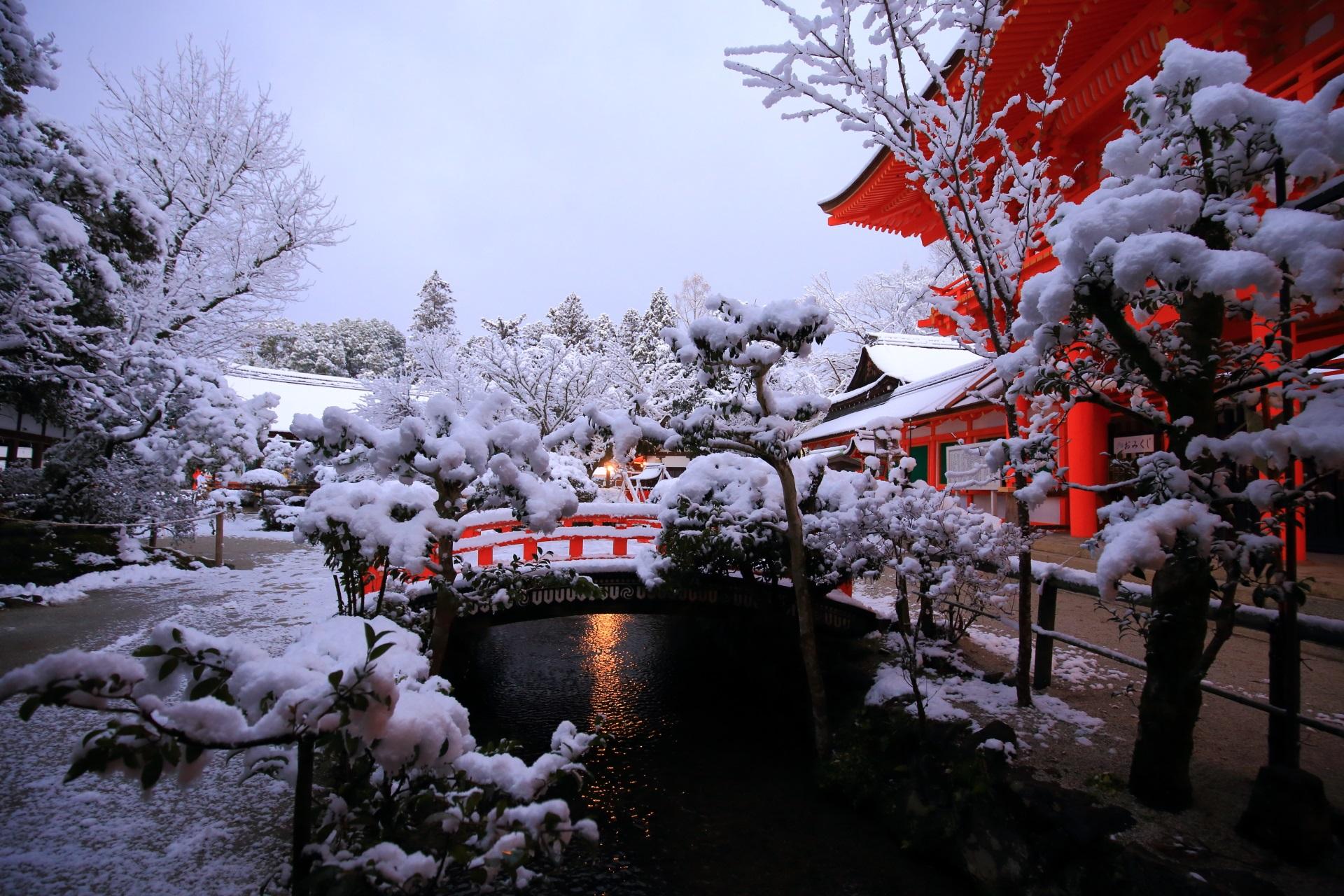玉橋と御手洗川の雪景色