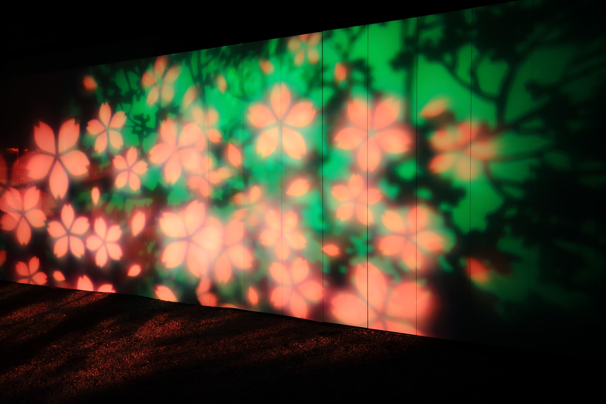 二条城の入口付近での光の演出