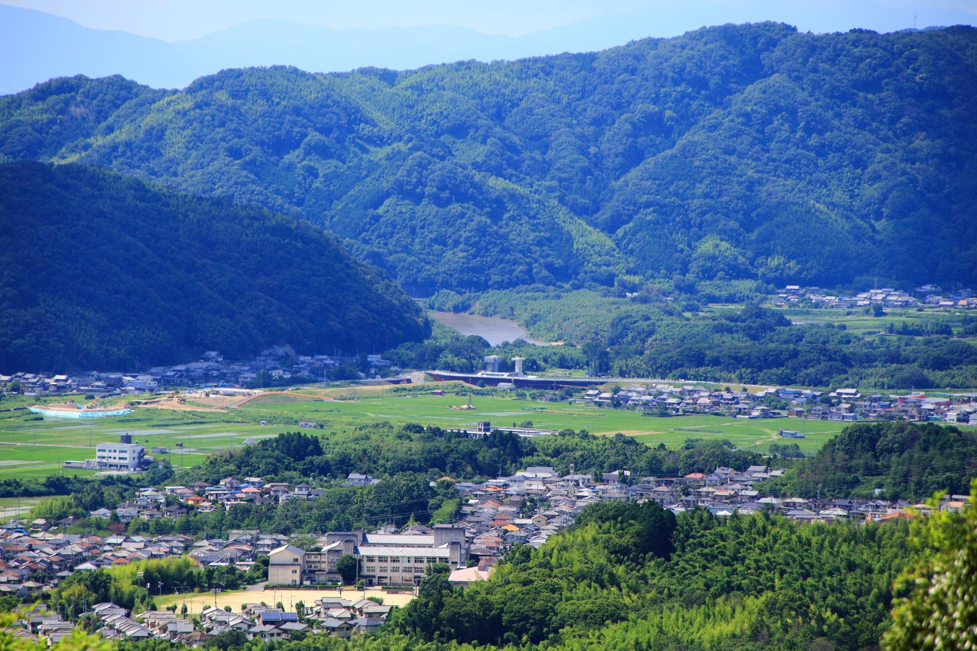 岩船寺から眺める木津川