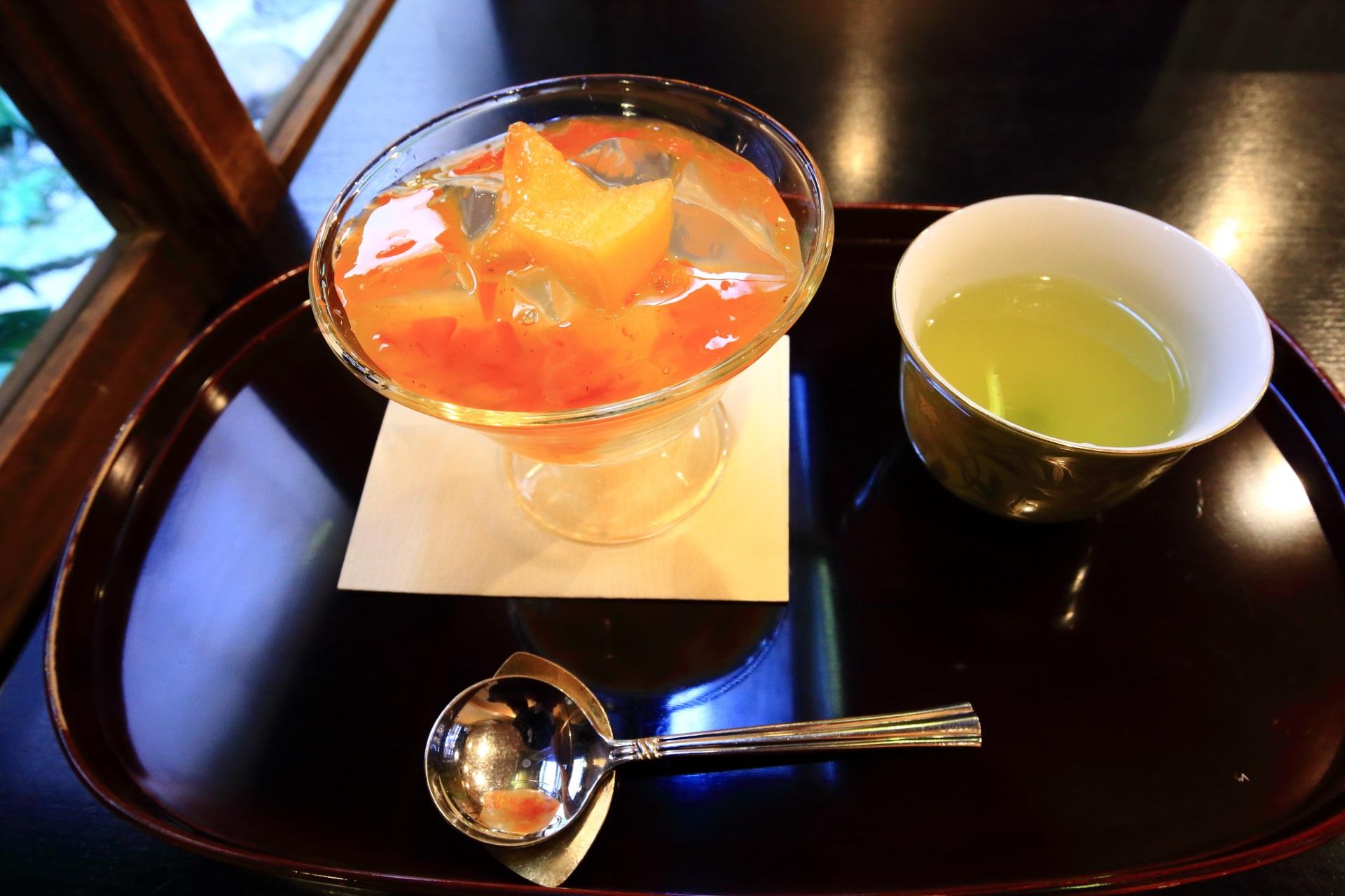 11月の柿味の琥珀流し(税込660円)