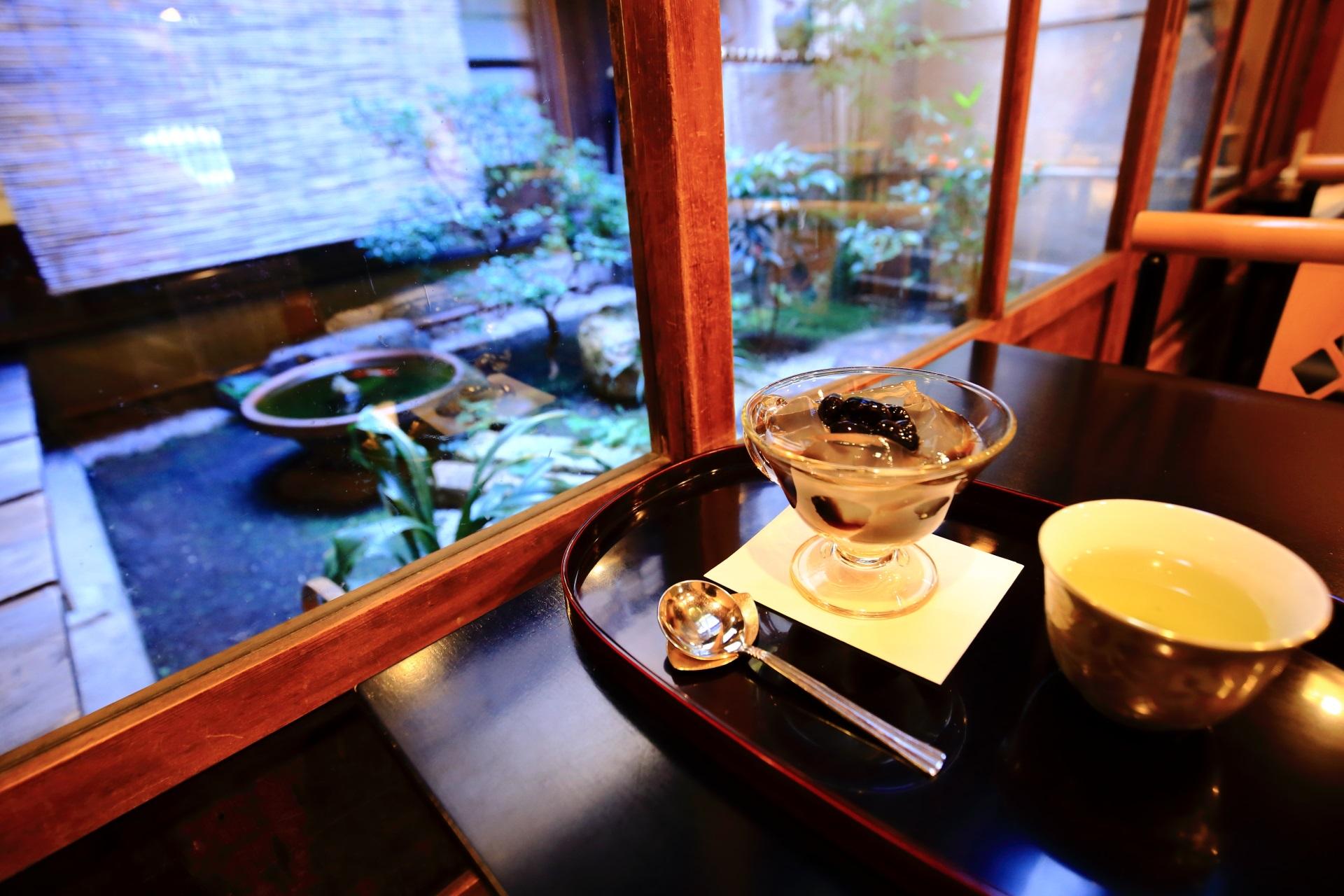 琥珀流し 黒豆味 栖園(せいえん) 京都の人気の甘味処