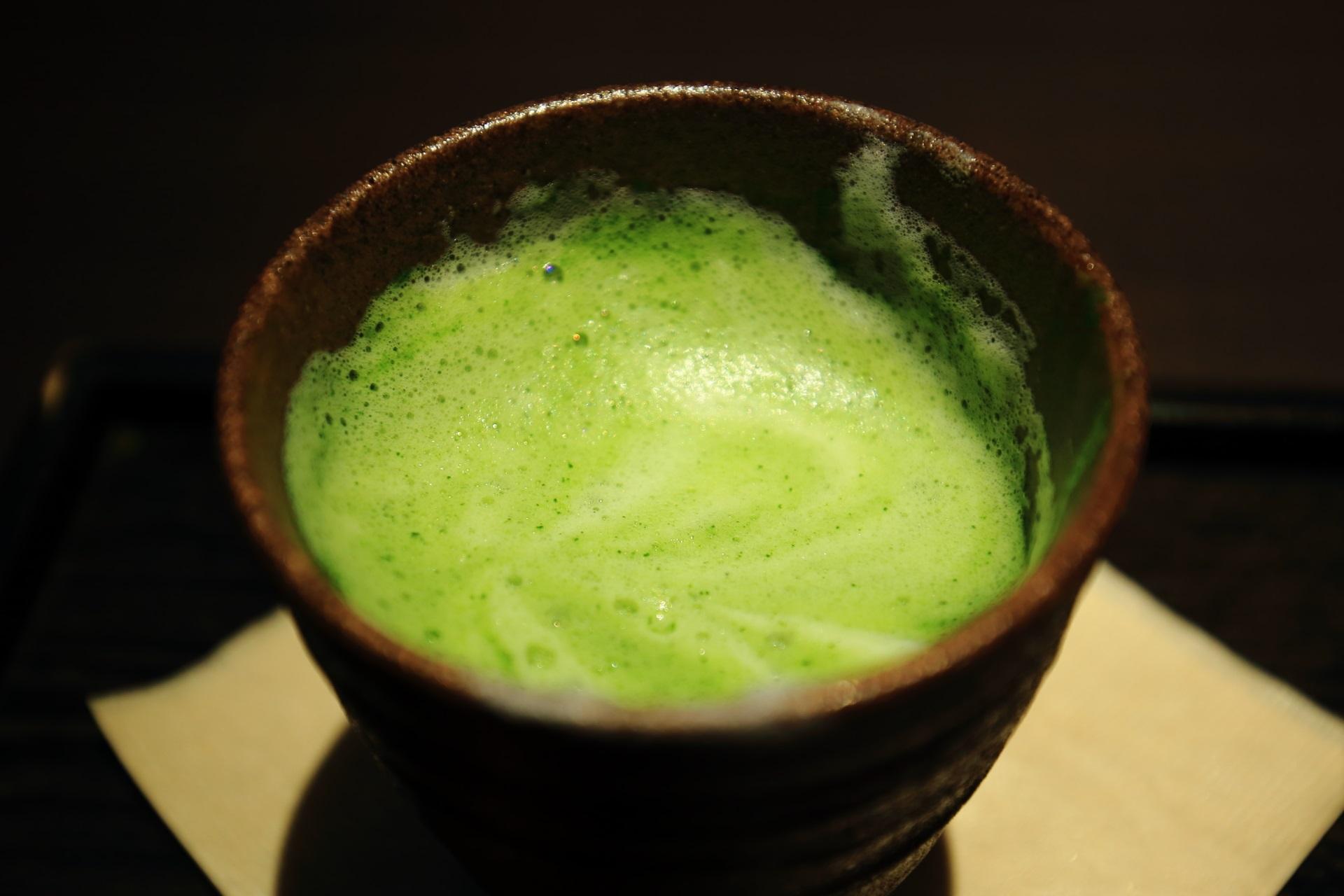 抹茶ラテ 美味しい 茶寮翠泉 さりょうすいせん 甘味処