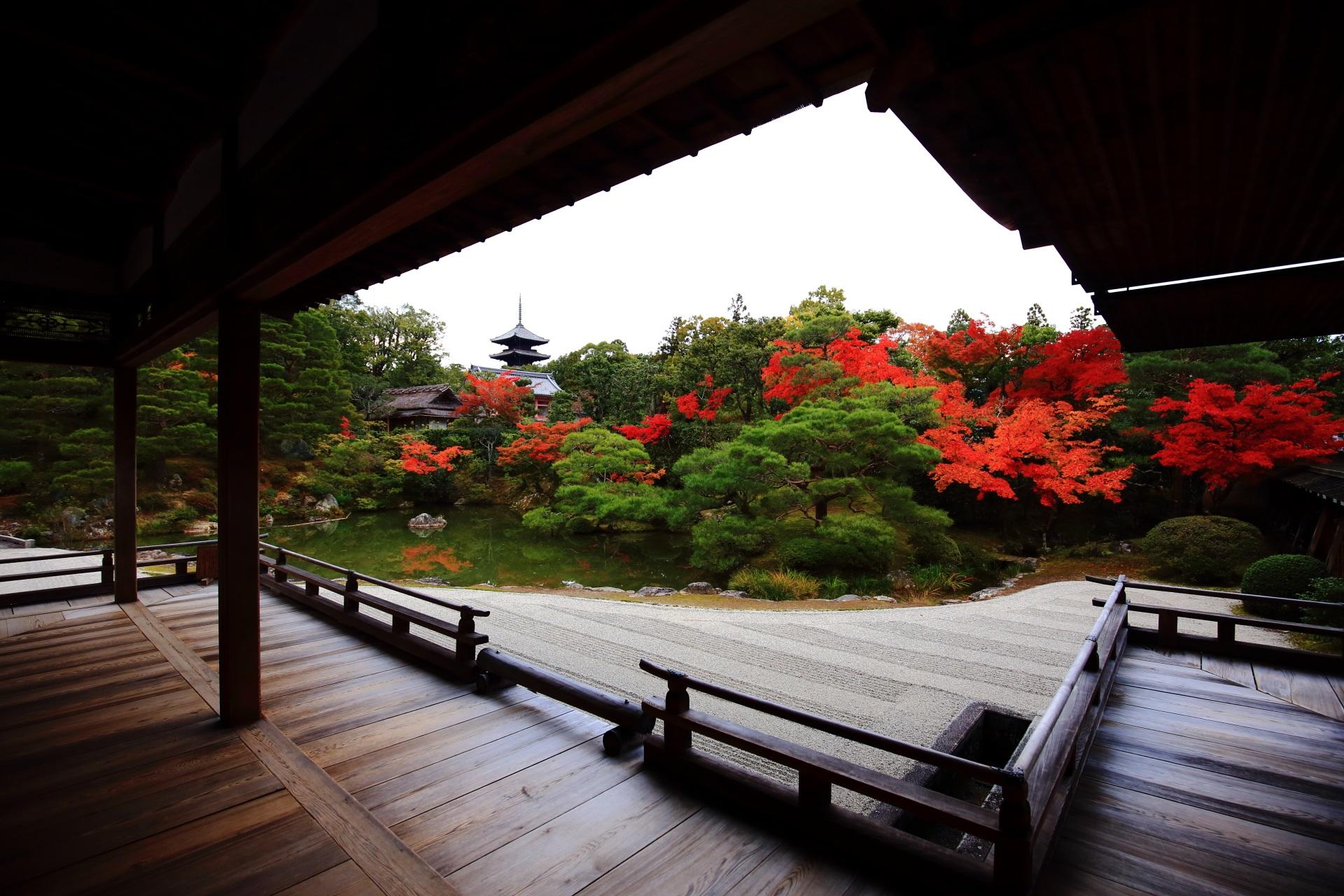 色とりどりの紅葉にそまる世界遺産
