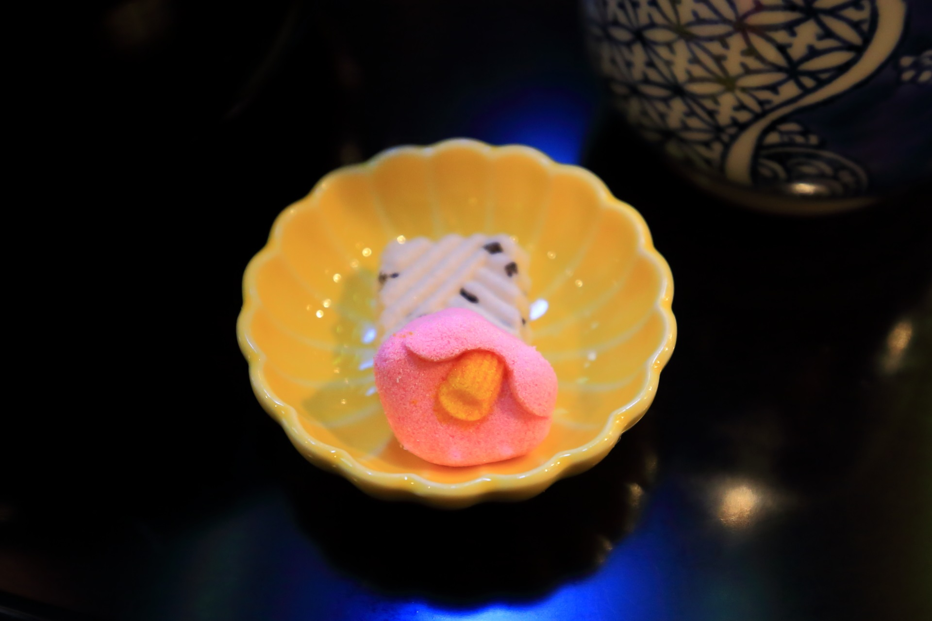 栖園の特製相生ぜんざいについてくる可愛い干菓子(ひがし)