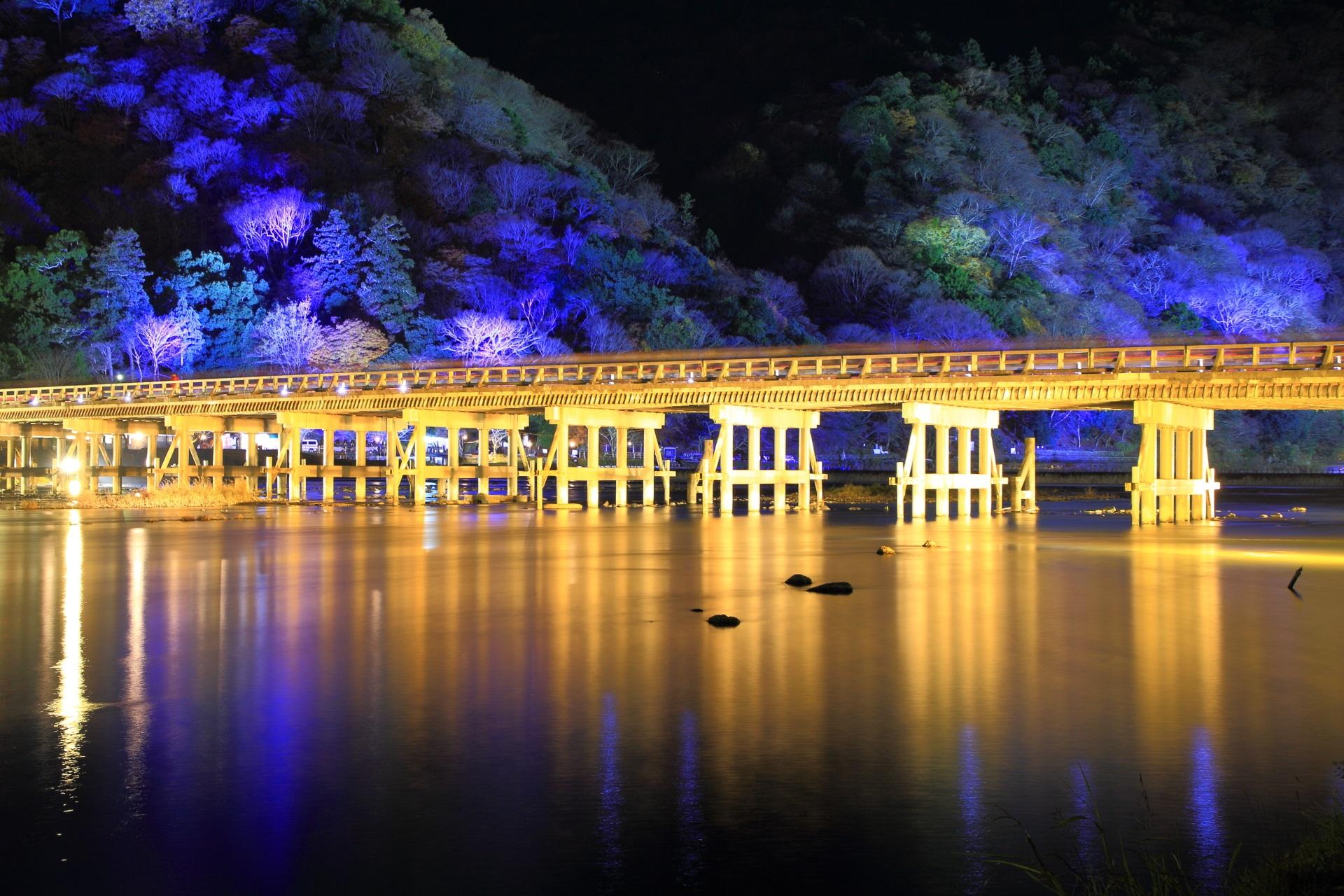 高画質 嵐山花灯路 写真 渡月橋 ライトアップ