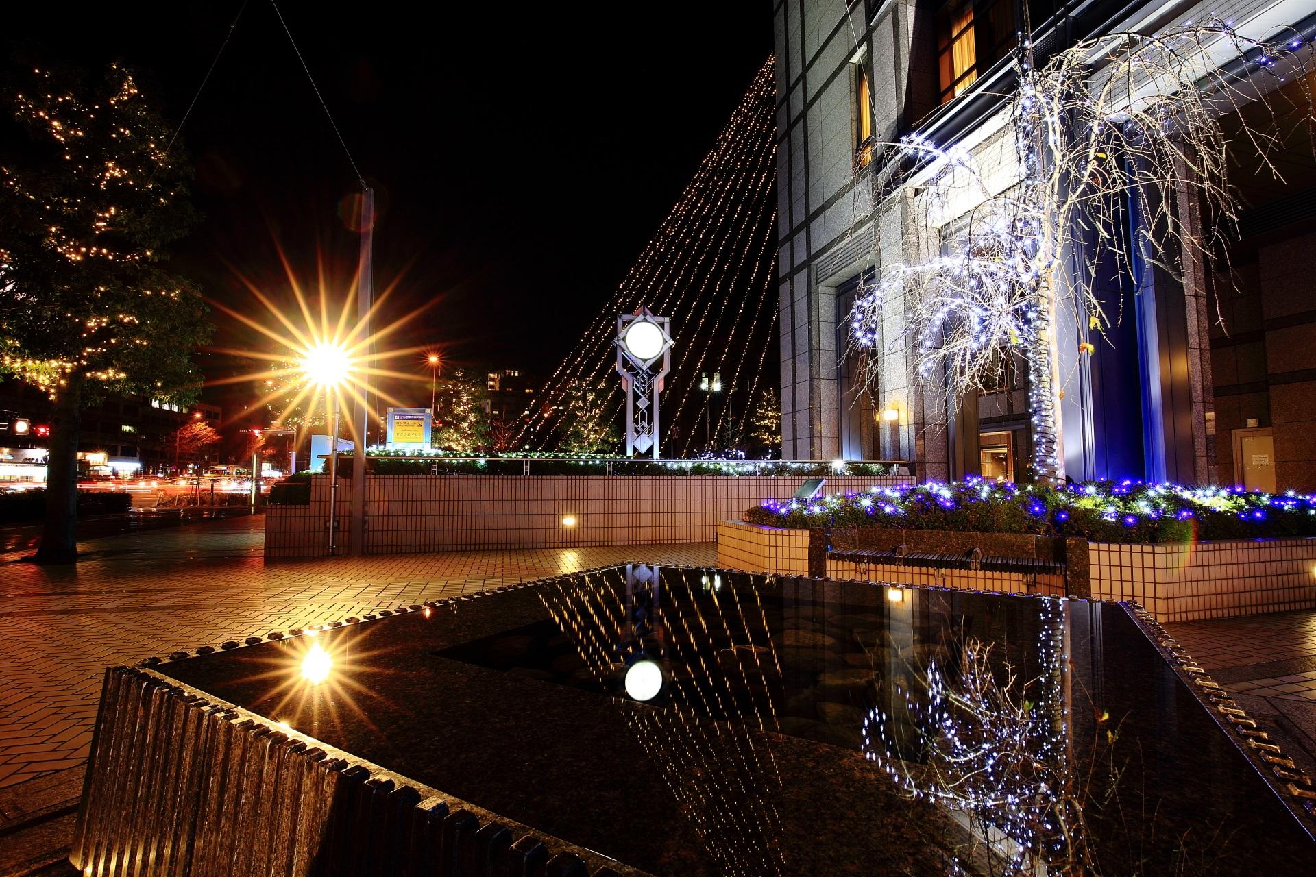 京都ホテルオークラの美しいイルミネーションの水鏡